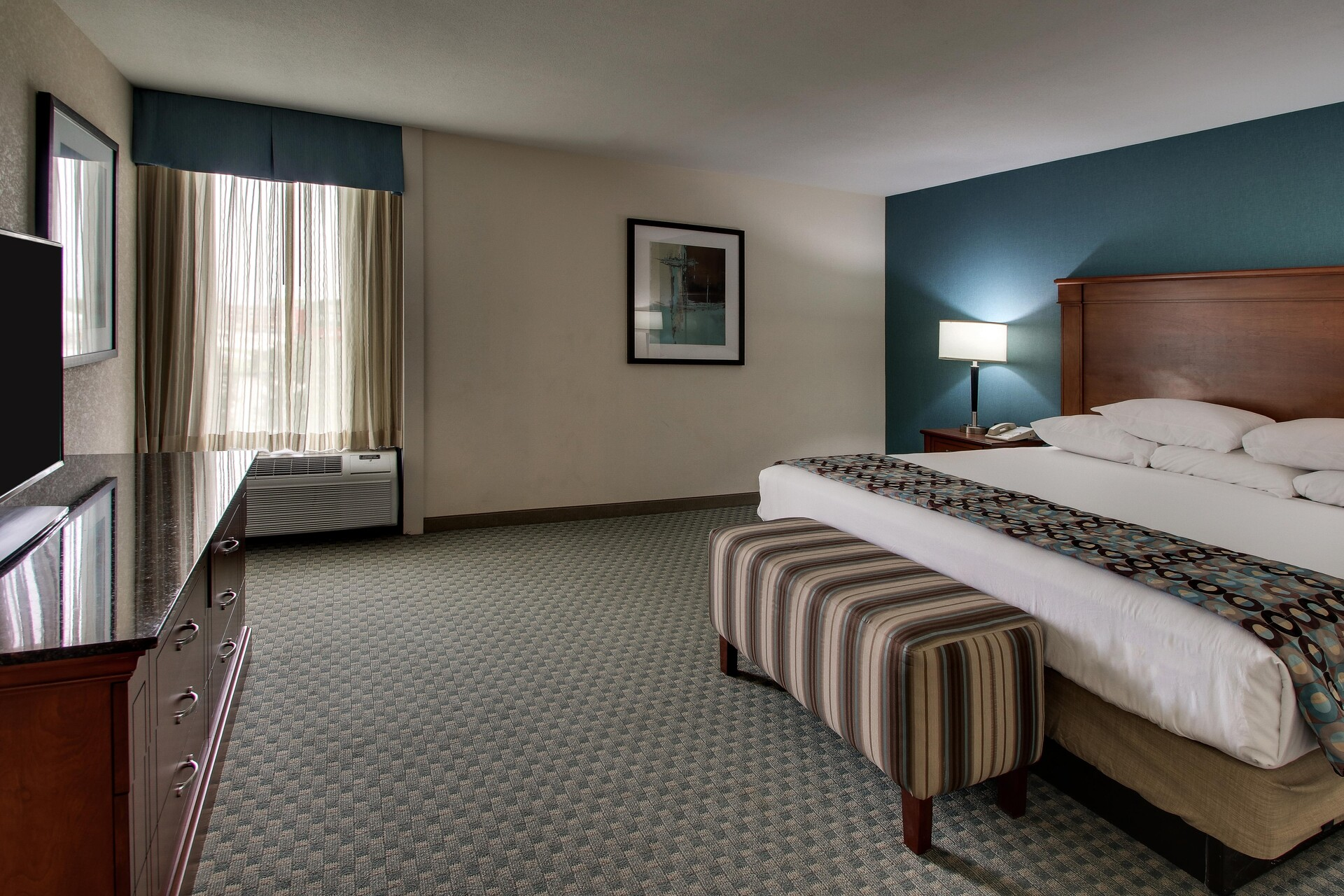 Two-Room Suite with One-King
